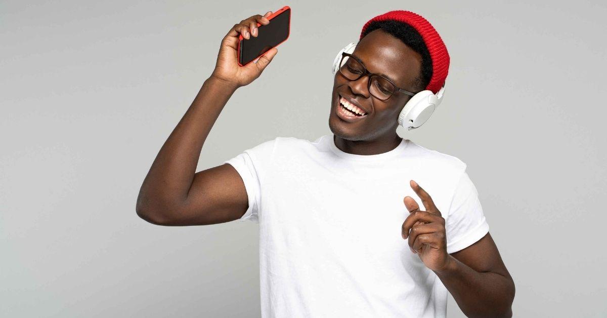 Como baixar música do Spotify no celular