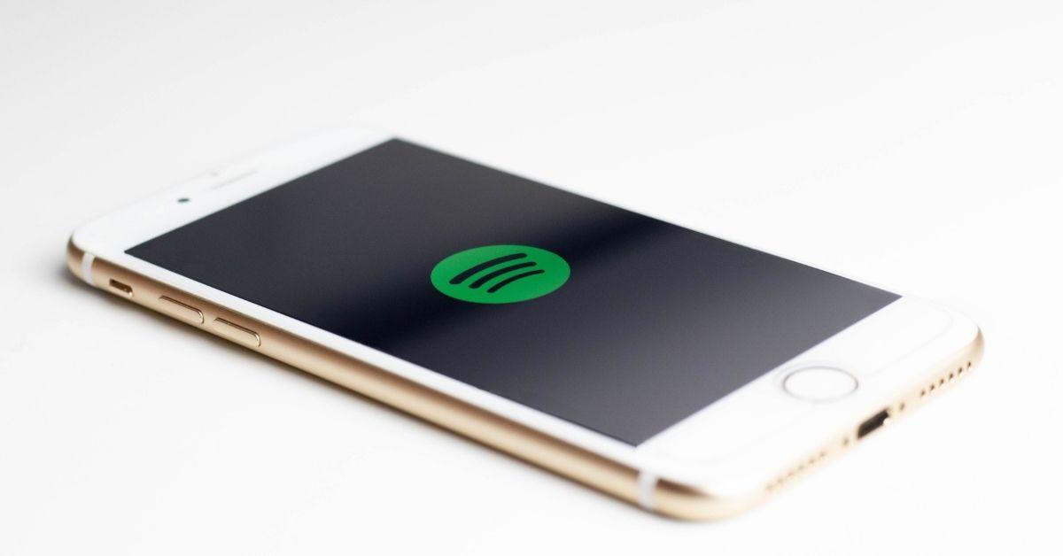 Facebook ganha player do Spotify para ouvir música no feed de notícias