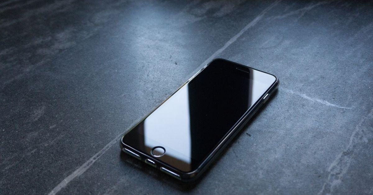 iPhones do futuro poderão prever hora em que a bateria vai acabar